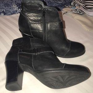 EUC Born Black leather booties. Size 8